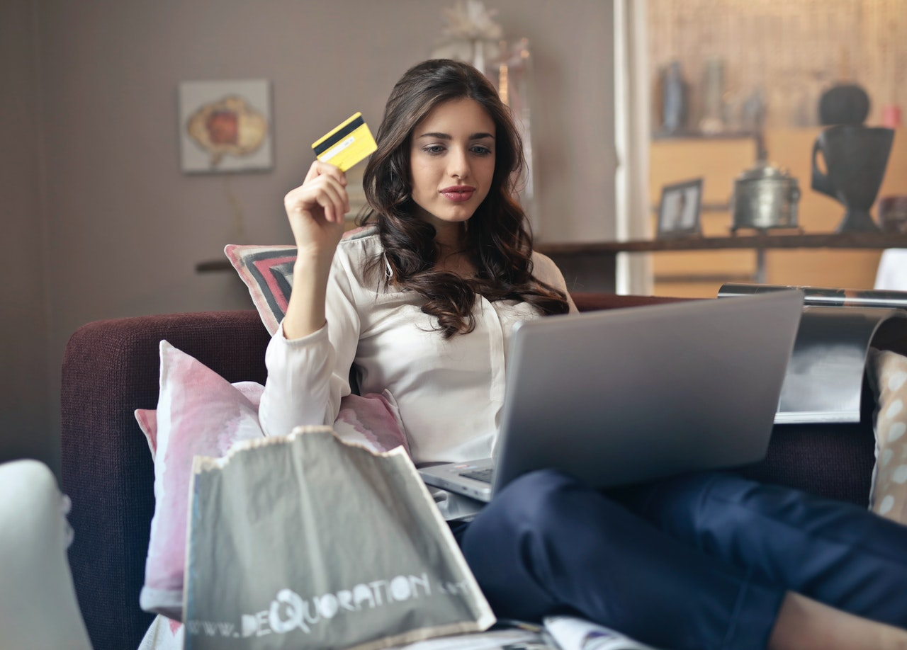online shopping holding credit card